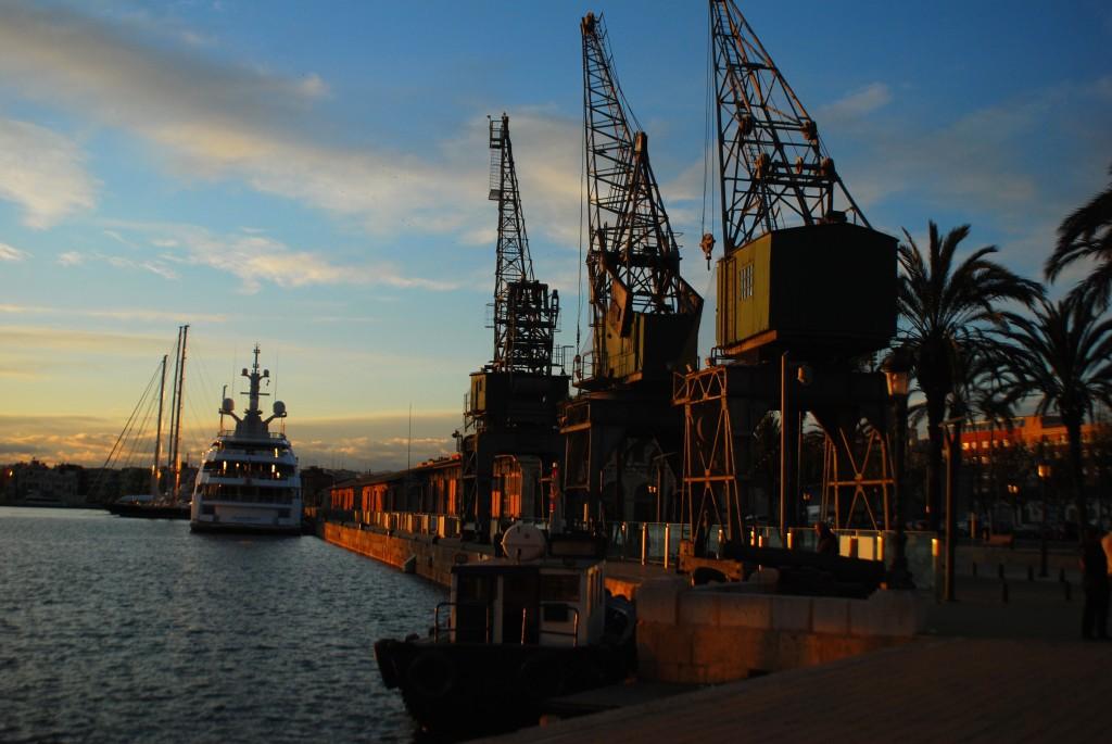 Der Industriehafen von Tarragona